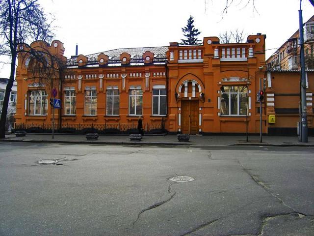 Особняк судьи Н.И.Антонова (1904, Е.Ф.Ермаков, ул.Институтская, 26) фото 2009г.